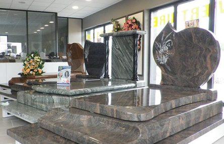 Groupe ROC ECLERC nos monuments funéraires exemple de gamme de monuments agence ROC ECLERC Bondy
