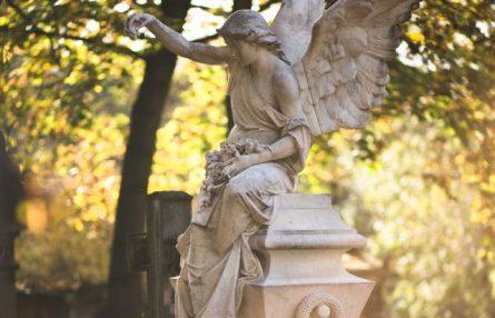 ROC ECLERC cérémonie civile ou religieuse services funéraires ange statue monument funéraire cimetière